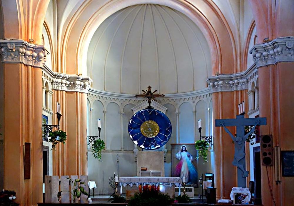 Cristo re parrocchia di cristo re di monterenzio for Interno chiesa