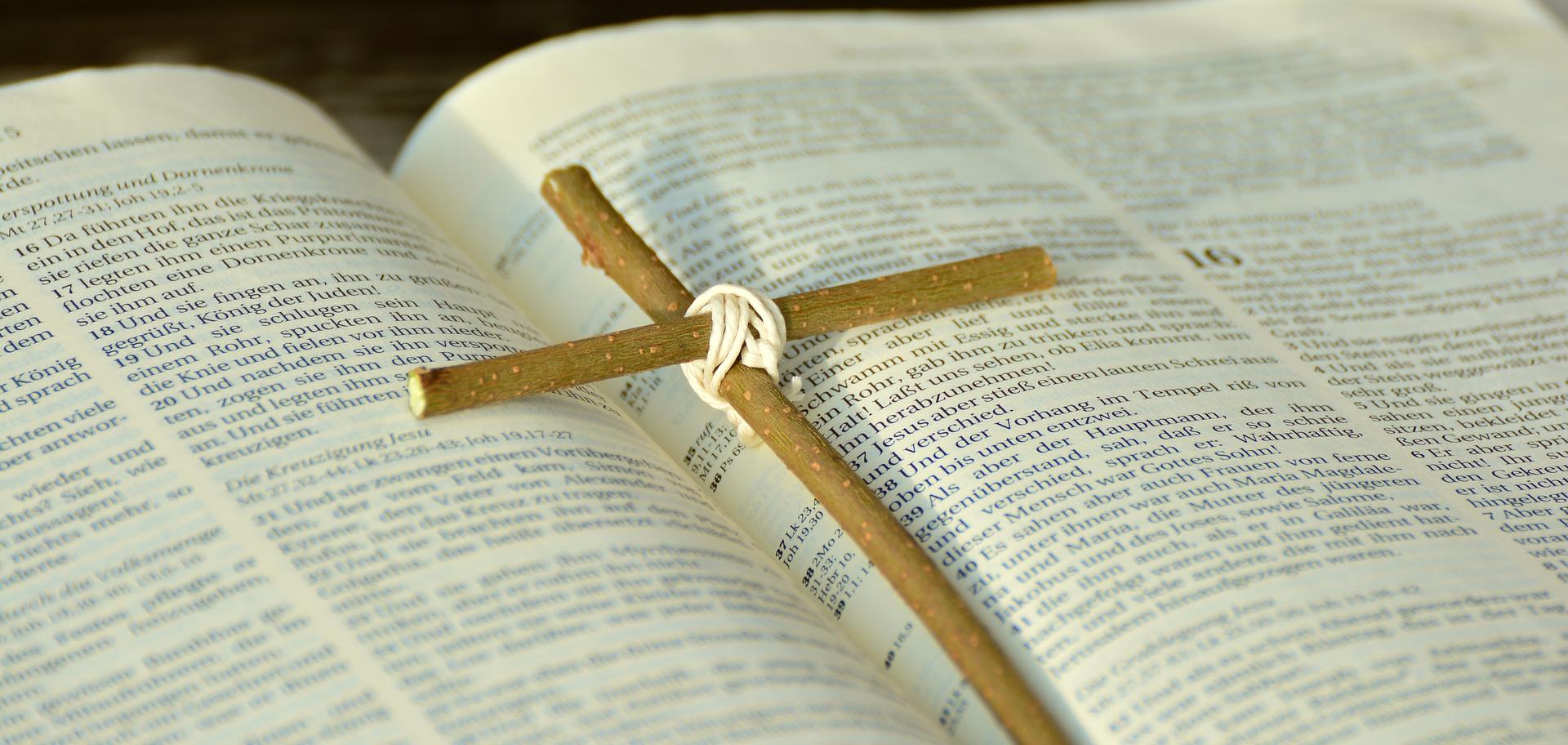 bible-2167778_1920