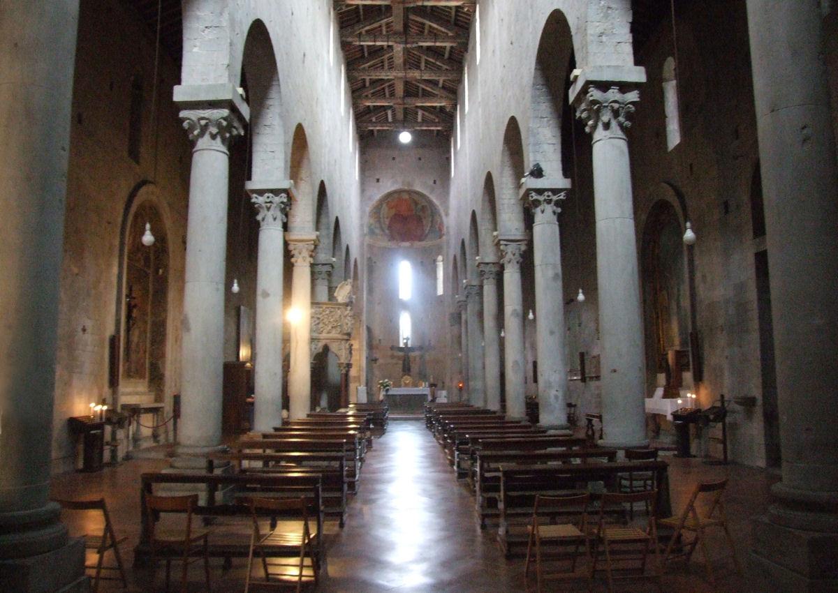 Storia della chiesa di s andrea apostolo sant 39 andrea for Interno s