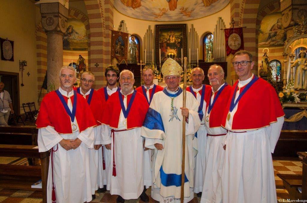 Il Vescovo Claudio con i Cappati