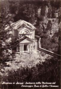 Foto storica del Santuario del Buso